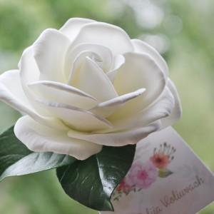 Ślubna spinka - róża ivory