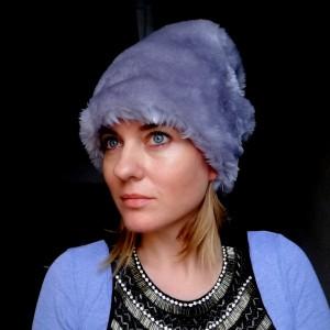 damska futrzana czapka szara gołębia