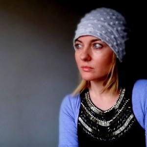 miła szara damska czapka dresowa punto