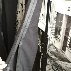 czarne materiałowe spodnie z lampasami