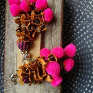 klipsy lekkie długie etno pompony