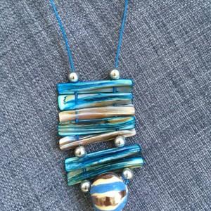 Naszyjnik z masy perłowej i ceramiki