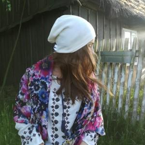 cienka czapka bez podszewki ecru dzianina swetrowa unisex