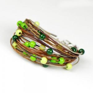 Sznurkowa bransoletka z drewnianymi koralami c581