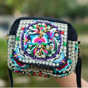 damska torebka haftowana etniczna