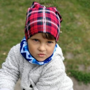 czapka dziecięca w kratkę dla 3-latka