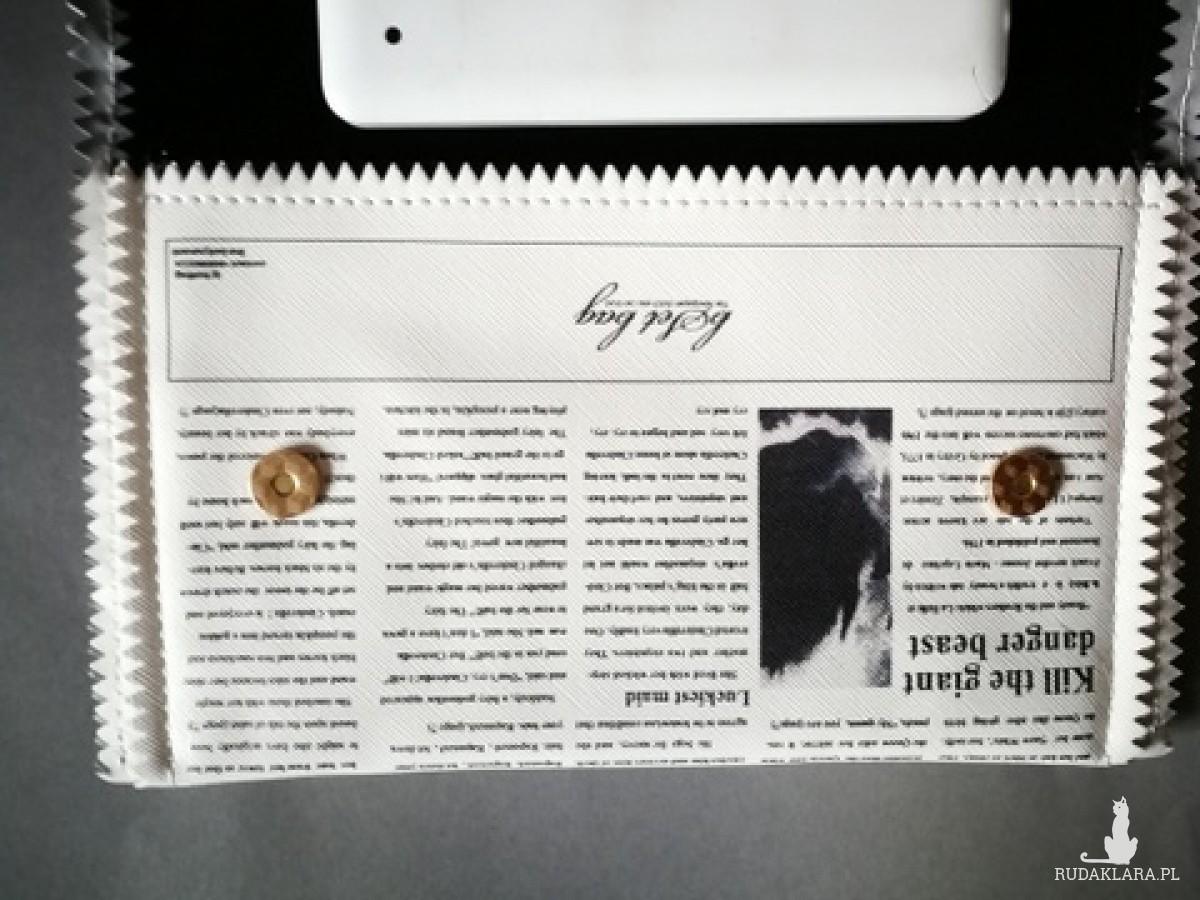 torebka kopertówka gazeta