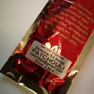 Naturalne ręcznie robione kadzidła proszkowe- zapach patchouli