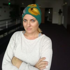 czapka wełniana filcowana turkus zimowa handmade w kwiaty