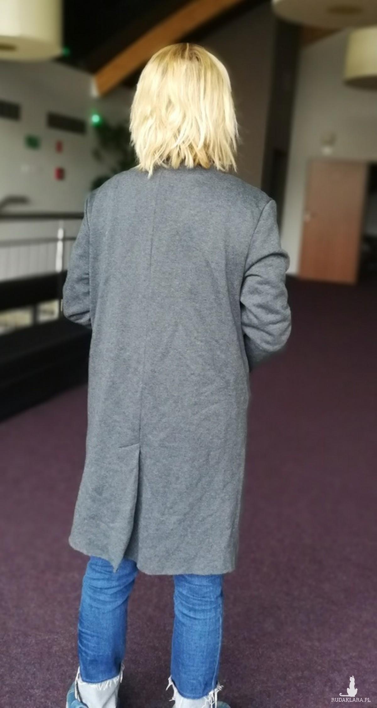 szary damski dzianinowy dresowy płaszcz