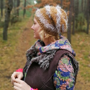 czapka damska miękka z włosem brązowa