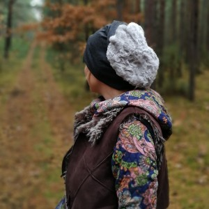 czapka unisex szara dzianina miękka sztuczne futro handmade