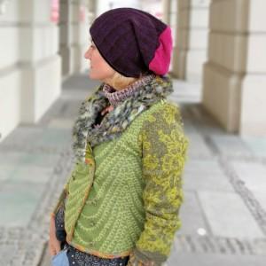czapka fioletowo-różowa z dzianiny swetrowej