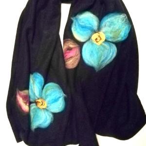 granatowy szal damski zimowy z wełną merynosów handmade