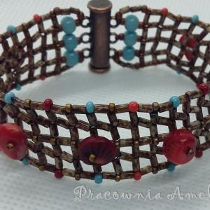 Kratka z naturalnym koralem bransoletka handmade beading