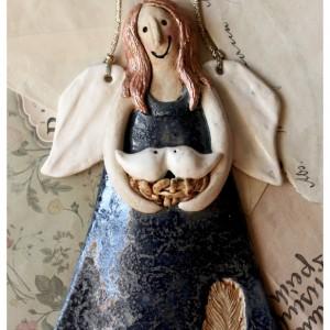 Aniołek z ptasim gniazdem