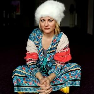 czapka futrzana zimowa ciepła handmade kolor biała