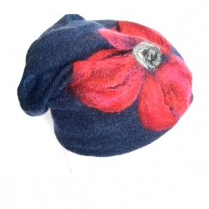 czapka wełniana filcowana granatowa zimowa handmade w kwiaty