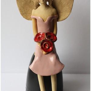 Anioł różowy z różami