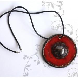 Wisior ceramiczny czerwony z kulą
