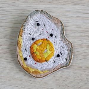 Broszka haft jajo sadzone