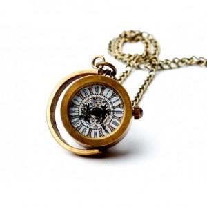 Drobina Księżycowa - zegarek wisiorek na łańcuszku