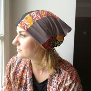 czapka damska szyta patchworkowo handmade-box 33- żmije poznasz po skórze, śliska i pełznie przy murze