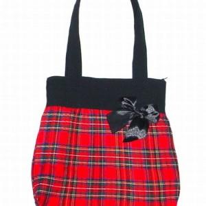 Nieduża torebka damska w szkocką kratkę