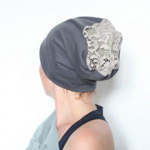 czapka damska dresowa z koronką