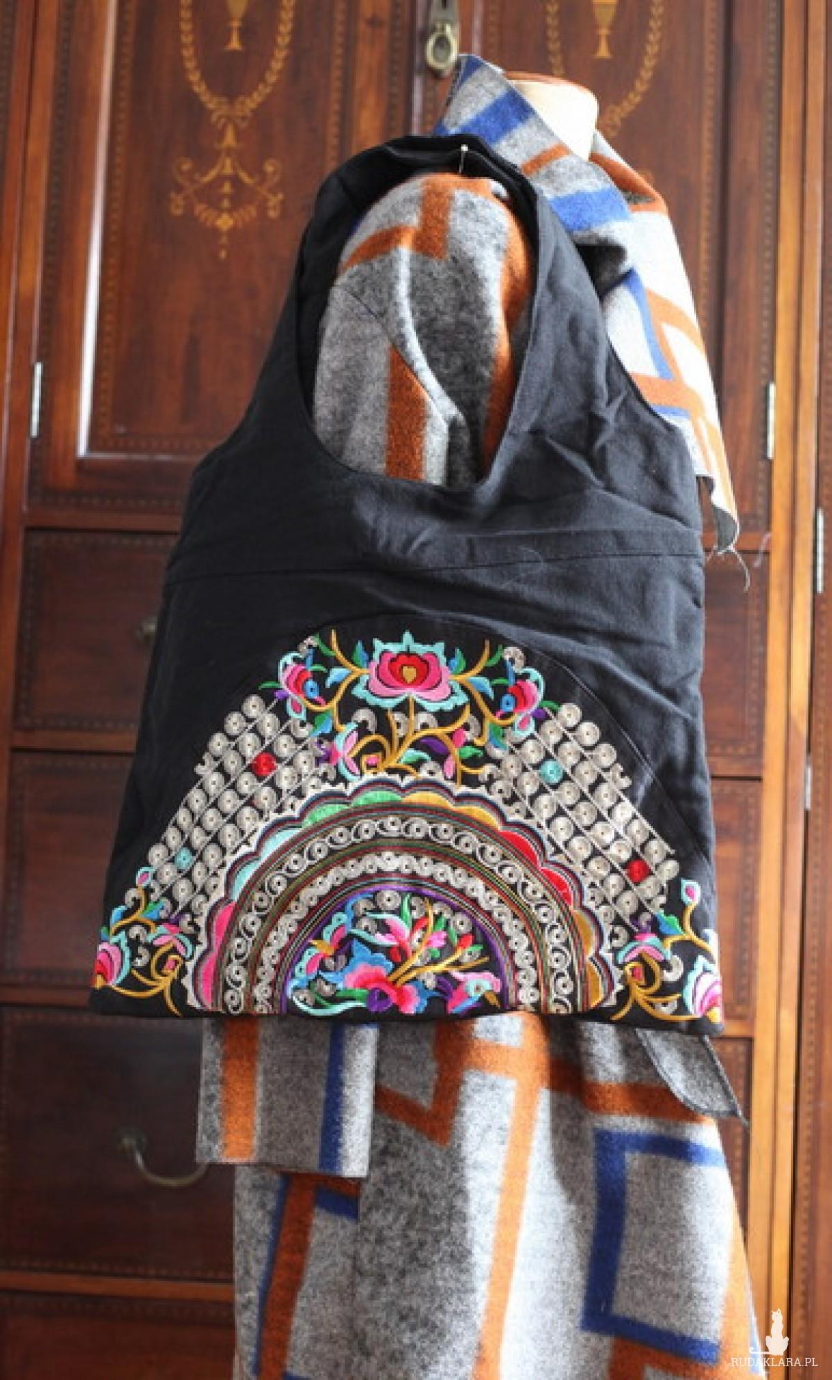 torba etniczna haftowana
