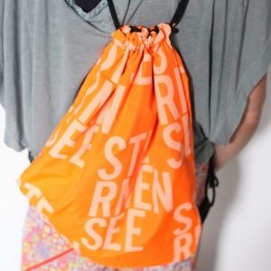 duży plecak na lato