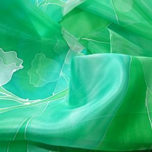 Jedwabna chusta Konwalie, Zielona apaszka, Ręcznie malowana chusta z jedwabiu