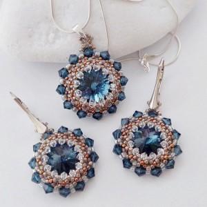 Komplet biżuterii handmade; Kolczyki i naszyjnik z koralików Toho i kryształków Swarovski