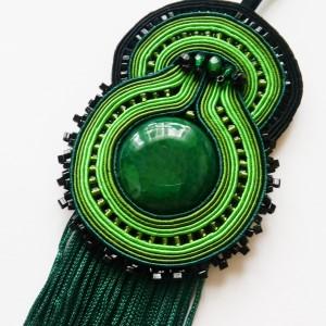Zielony wisior sutasz