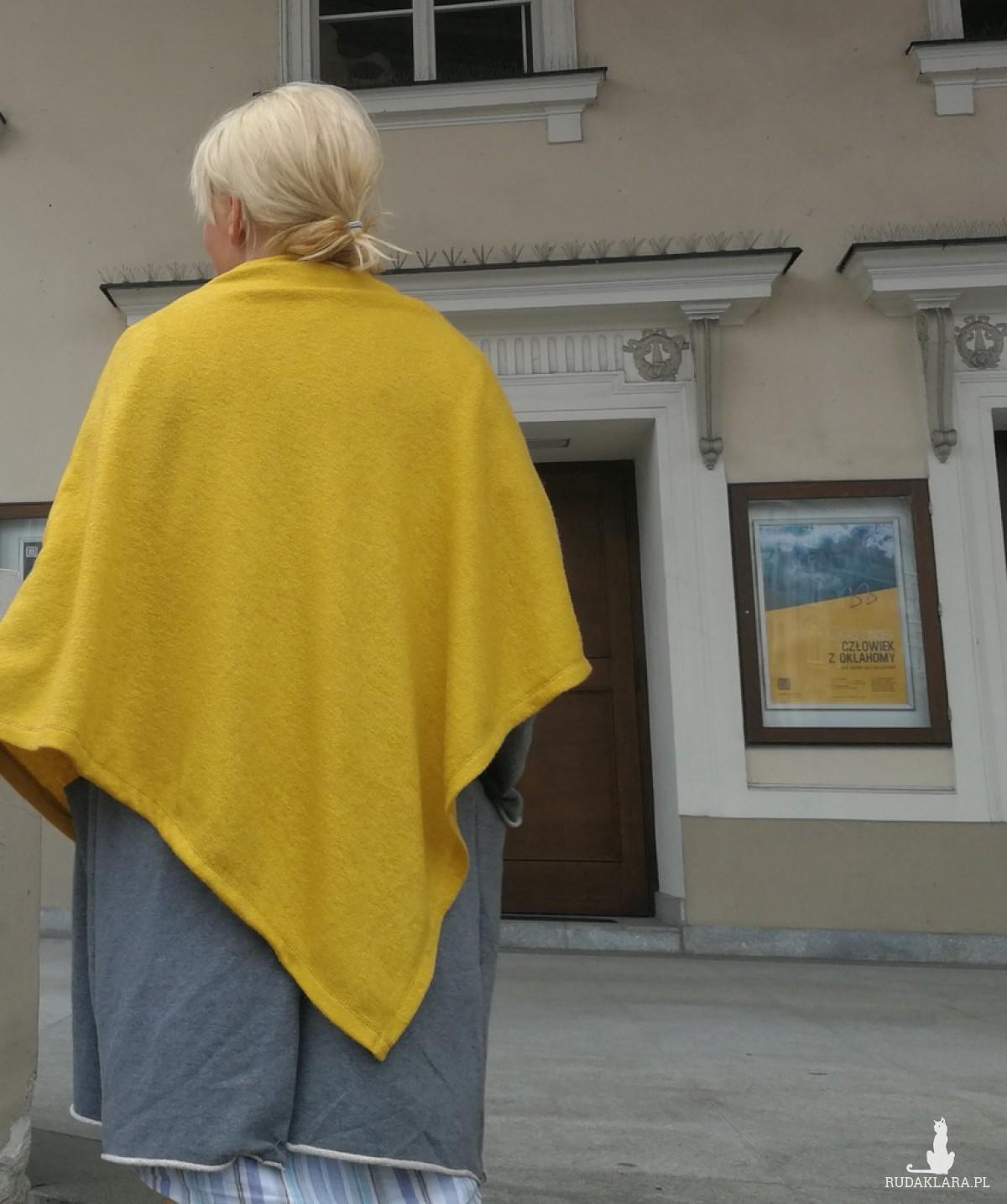 poncho z dzianiny wełnianej musztardowe handmade