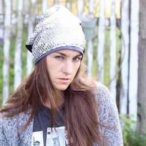 cekinowa czapka damska