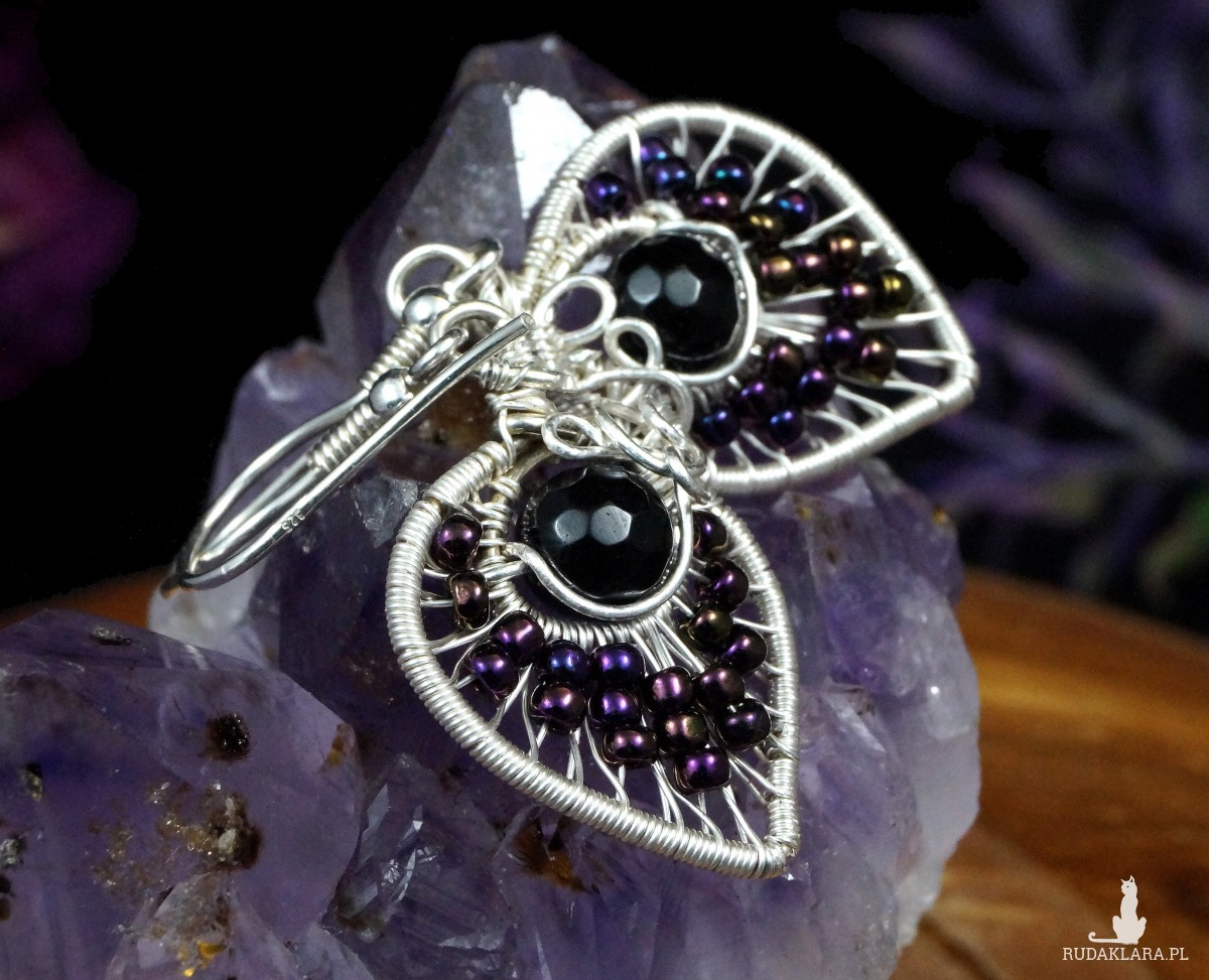 Srebrne kolczyki z onyksem w kształcie listków, prezent dla niej, prezent dla mamy, prezent dla kobiety, ręcznie robiona biżuteria