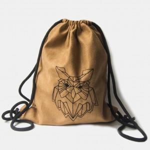 Zamszowy plecak worek z geometryczną sową
