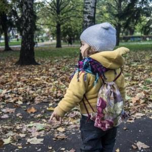 Mini plecaczek dziecięcy w kwiaty