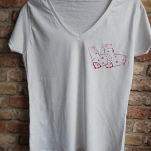 """Koszulka ręcznie haftowana, rozmiar M """"SKARPETKI"""""""