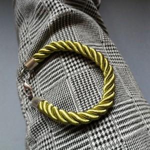 bransoletka ze sznurka zielona