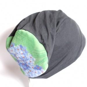 szara dzianinowa czapka damska