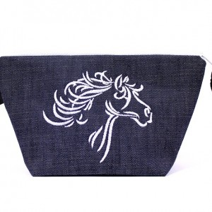 Jeansowa kosmetyczka z białym koniem