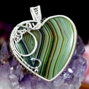 Agat zielono biały, srebrny wisior z agatem w kształcie serca, prezent dla niej, prezent dla mamy, ręcznie robiona biżuteria autorska