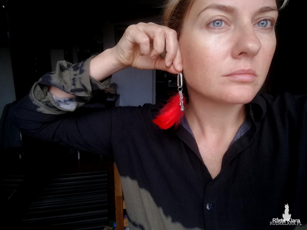 klipsy czerwone pióra lekkie
