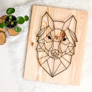 """Obraz """"Geometric design"""" Wilk geometryczny skandynawski, Naturalne drewno String Art"""