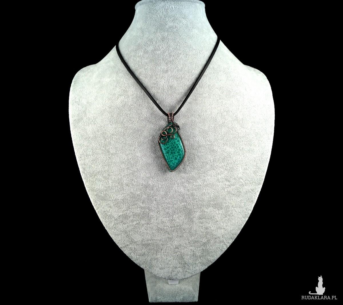Zielony agat Miedziany wisior z agatem, ręcznie wykonany, prezent dla niej, prezent dla mamy, prezent urodzinowy niepowtarzalna biżuteria