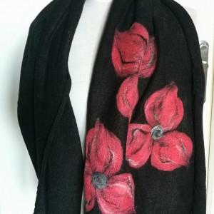 czarny szal damski zimowy z wełną merynosów handmade
