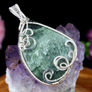 Serafinit, Srebrny wisior z serafinitem zielony, prezent dla niej, prezent dla mamy, biżuteria autorska, prezent dla żony, handmade