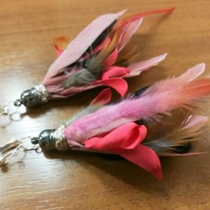 klipsy pióra długie lekkie rózowo-brazowo-rudo- malinowe